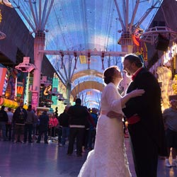 One Hour Off-Site Photo Session Monday-Thursday for Las Vegas Wedding